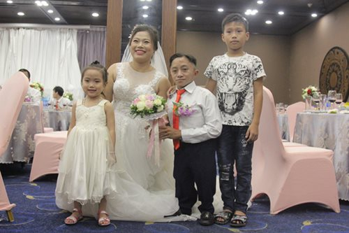 Đám cưới trong mơ của các cặp đôi khuyết tật: Hạnh phúc khi lần đầu được mặc áo cưới - Ảnh 8