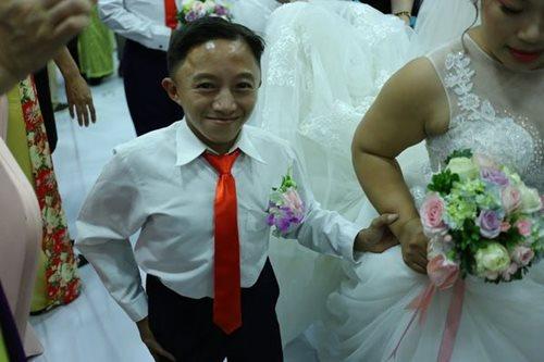 Đám cưới trong mơ của các cặp đôi khuyết tật: Hạnh phúc khi lần đầu được mặc áo cưới - Ảnh 9