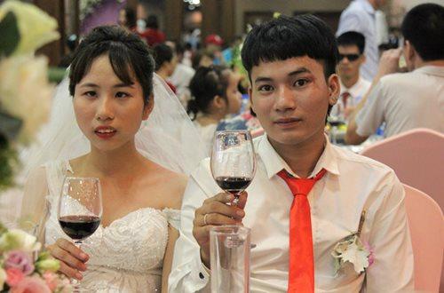 Đám cưới trong mơ của các cặp đôi khuyết tật: Hạnh phúc khi lần đầu được mặc áo cưới - Ảnh 10