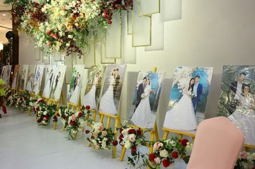 Đám cưới trong mơ của các cặp đôi khuyết tật: Hạnh phúc khi lần đầu được mặc áo cưới - Ảnh 2