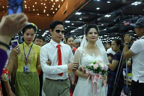 Đám cưới trong mơ của các cặp đôi khuyết tật: Hạnh phúc khi lần đầu được mặc áo cưới - Ảnh 4