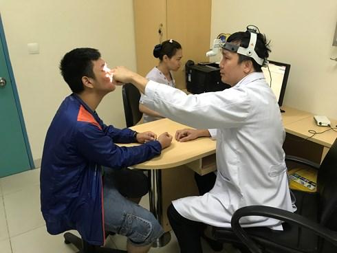 Tưởng bị viêm mũi, chạy chữa hơn 10 năm chàng trai không ngờ mình mắc bệnh nguy hiểm này - Ảnh 1