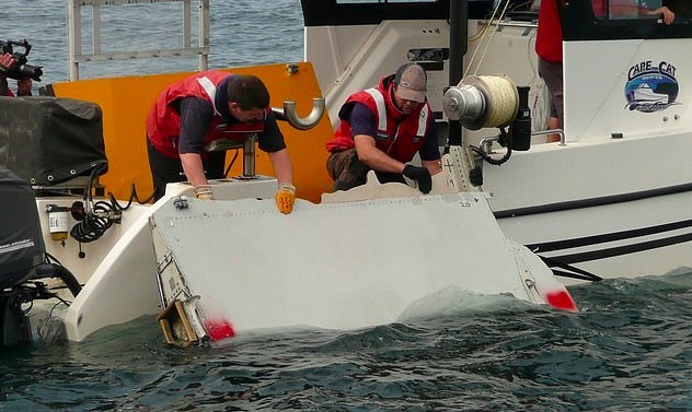 Cơ trưởng máy bay MH370 chủ tâm tự tử và giết chết mọi người? - Ảnh 3