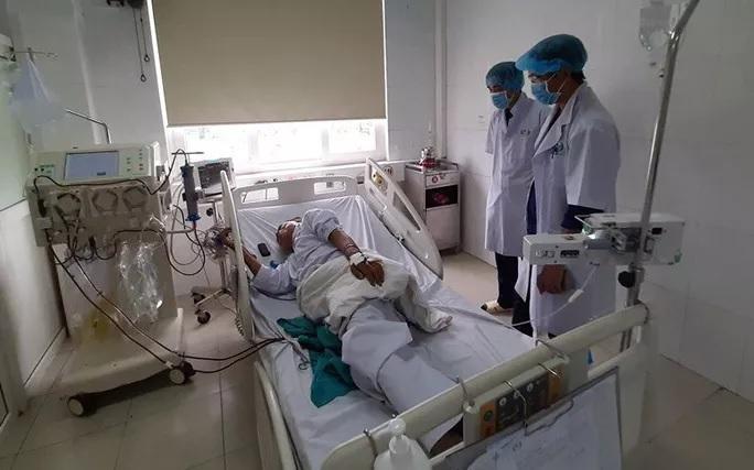 6 bệnh nhân ở Nghệ An bị sốc sau khi chạy thận, 2 người chuyển ra Hà Nội điều trị - Ảnh 2