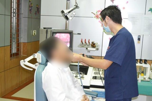Triệu chứng ung thư lưỡi thường bị bỏ qua vì ai cũng từng bị - Ảnh 1