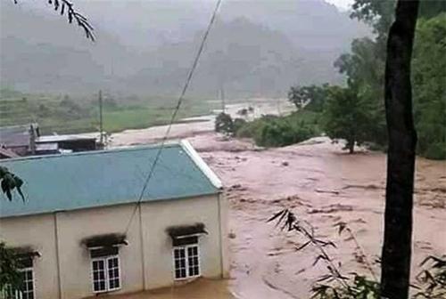14 người bị lũ cuốn mất tích do ảnh hưởng mưa bão số 3 ở Thanh Hóa - Ảnh 2