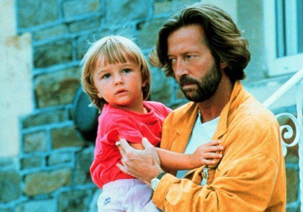 Không thể cho con một thế giới an toàn, chúng ta đều có tội - Ảnh 1
