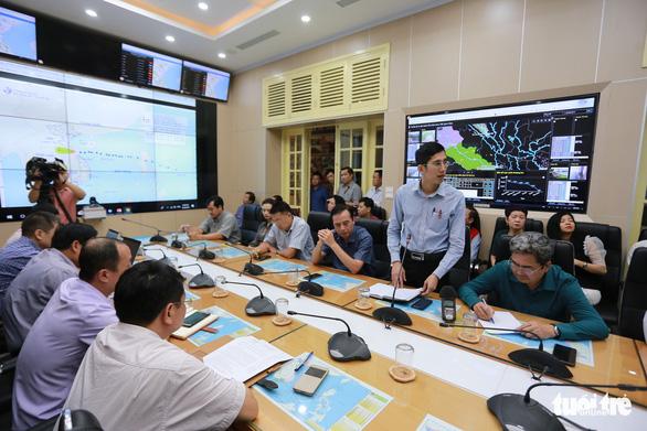 Thiệt hại do bão số 4 chưa xong, Việt Nam lại sắp phải đối phó bão số 5 - Ảnh 2