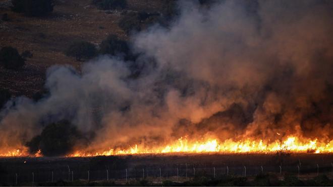 Trả đũa Hezbollah, Israel nã mưa pháo vào miền Nam Lebanon - Ảnh 1