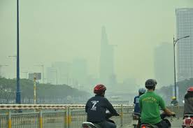 Sương mù bất ngờ xuất hiện từ sáng đến chiều tại TP.Hồ Chí Minh - Ảnh 2