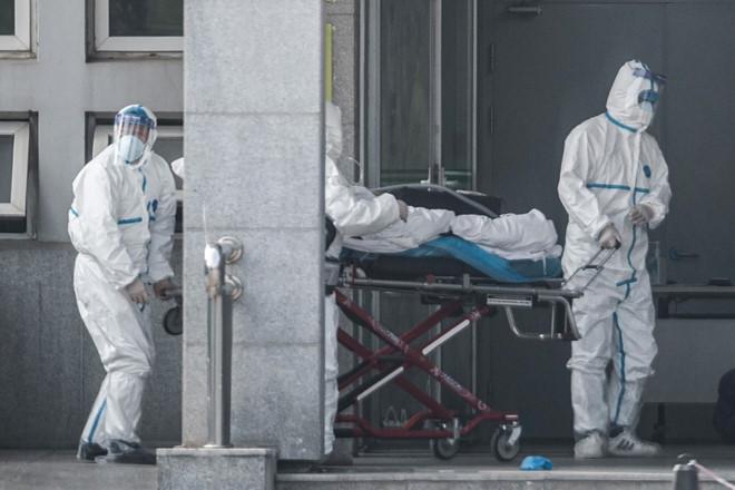WHO: Bệnh viêm phổi lạ ở Trung Quốc có thể lây từ người sang người một cách 'giới hạn' - Ảnh 1