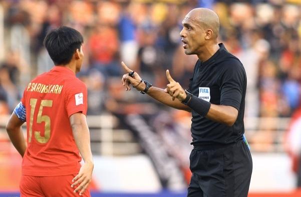U23 Thái Lan gửi 'đơn kiện' trọng tài AFC trận tứ kết - Ảnh 1