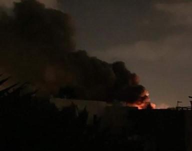 Sân bay tại thủ đô của Lybia bị lại tấn công bằng rocket - Ảnh 1