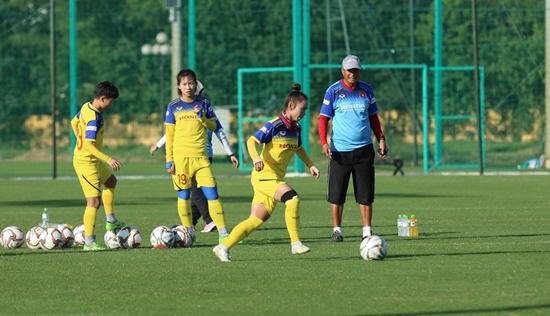 Cầu thủ Việt Nam sớm quay lại đội tuyển sau Tết Nguyên đán - Ảnh 6