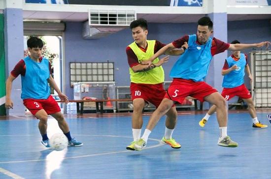 Cầu thủ Việt Nam sớm quay lại đội tuyển sau Tết Nguyên đán - Ảnh 8