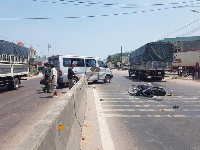 Đến mùng 3 Tết, hơn 100 người đã thiệt mạng do tai nạn giao thông - Ảnh 1