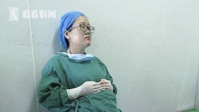 Cố nhịn đau, bác sĩ ngã gục sau ca phẫu thuật cho bệnh nhân - Ảnh 2