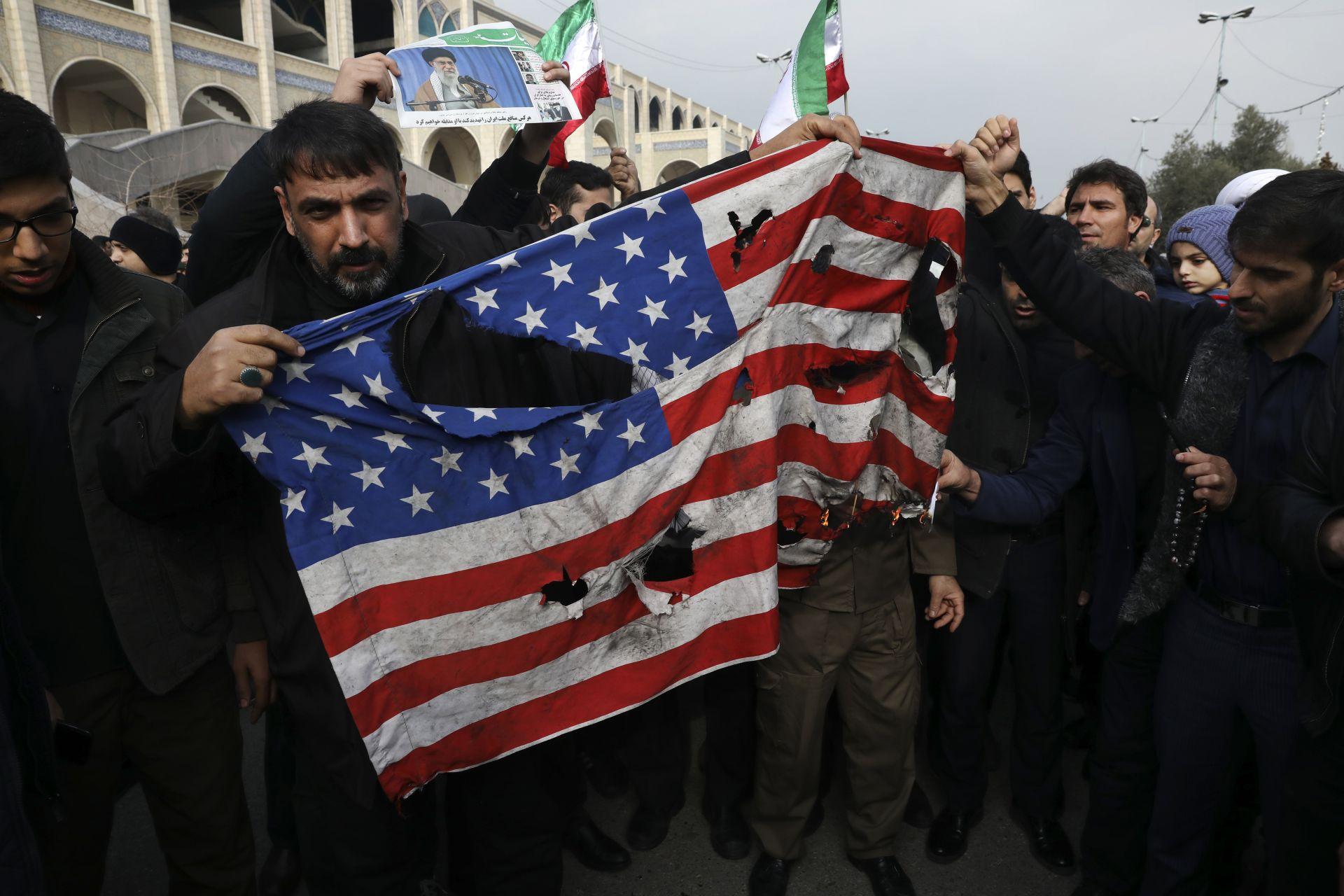 Liên quân Mỹ phủ nhận cuộc không kích thứ 2 ở phía bắc Baghdad - Ảnh 1