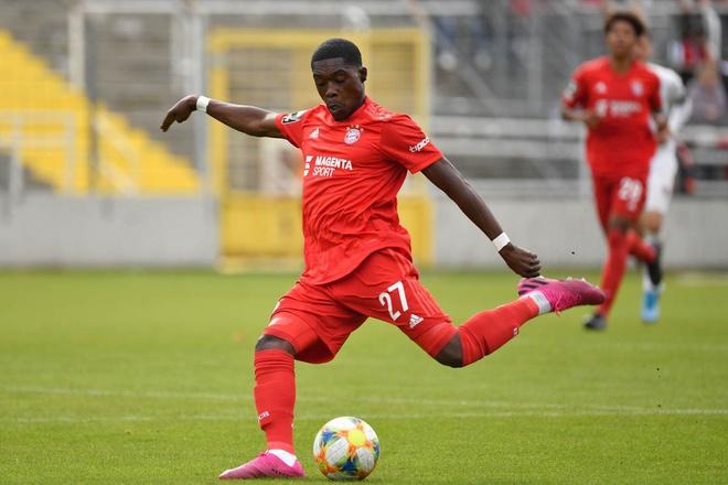 Heerenveen chọn Văn Hậu, từ chối mua hậu vệ Bayern Munich trong kì chuyển nhượng  - Ảnh 1