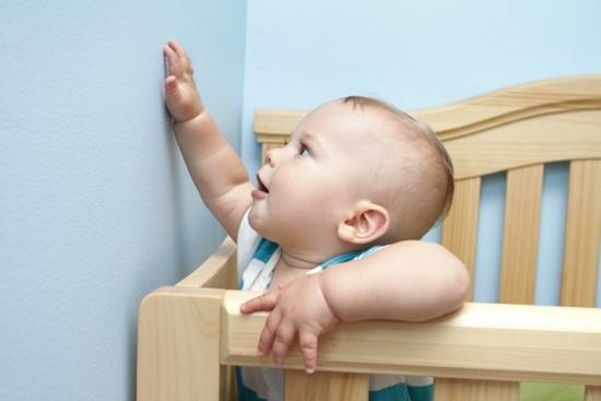 Cách dạy trẻ tập đứng đúng cách để chân thẳng đẹp, không bị vòng kiềng - Ảnh 2