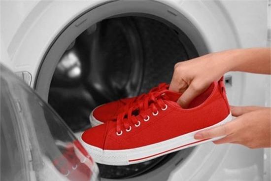 Những món đồ tuyệt đối không nên cho vào máy giặt nhiều người vẫn mắc phải - Ảnh 6