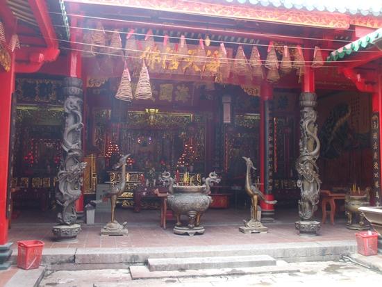 Điểm danh những ngôi đền, chùa cầu duyên nổi danh nhất Việt Nam dành cho dân FA - Ảnh 6