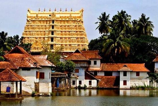 Ngôi đền dát hơn nửa tấn vàng chứa kho báu giàu có nhất thế giới - Ảnh 1