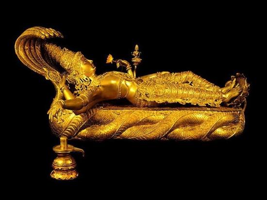 Ngôi đền dát hơn nửa tấn vàng chứa kho báu giàu có nhất thế giới - Ảnh 6