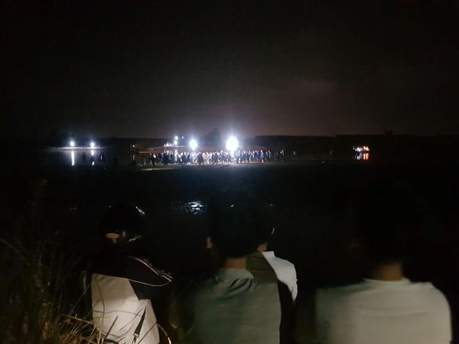 Tìm thấy thi thể 2 nạn nhân vụ lật ghe trên sông Vu Gia - Ảnh 2