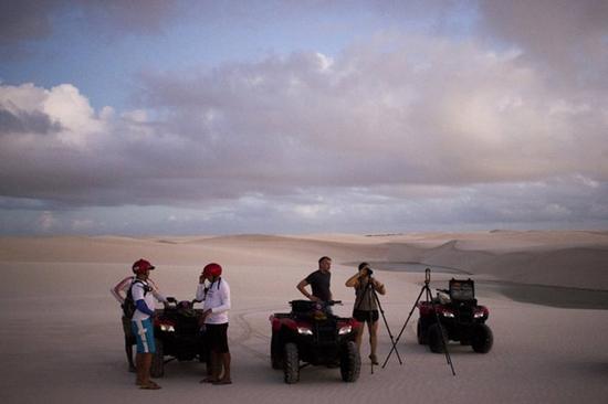 Kì lạ sa mạc có nhiều hồ nước nhất thế giới - Ảnh 2