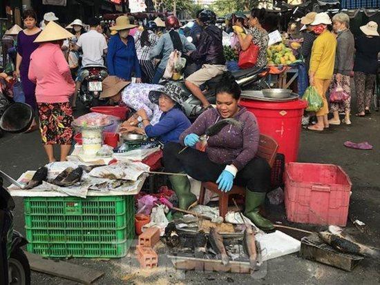 Ngày vía Thần Tài, cá lóc, hải sản ở TP.HCM 'gặp hạn' - Ảnh 1