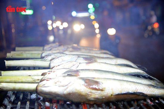 Ngày vía Thần Tài, cá lóc, hải sản ở TP.HCM 'gặp hạn' - Ảnh 3