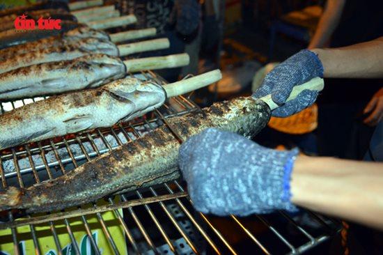 Ngày vía Thần Tài, cá lóc, hải sản ở TP.HCM 'gặp hạn' - Ảnh 4