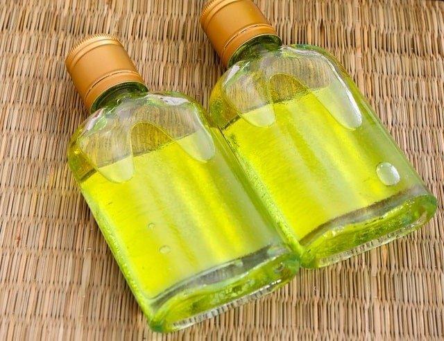 Tinh dầu tràm nhỏ lên khẩu trang có ngừa được virus Corona? - Ảnh 2