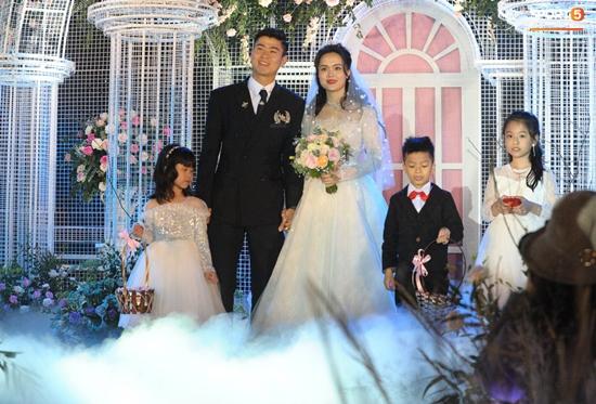 Những hình ảnh ấn tượng trong lễ cưới Duy Mạnh - Quỳnh Anh - Ảnh 12