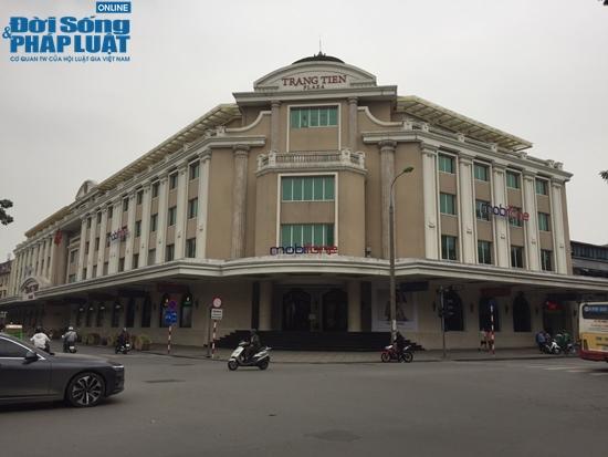 Tràng Tiền Plaza, thủ phủ hàng hiệu của bố chồng Hà Tăng thời Covid-19 - Ảnh 1