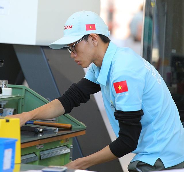 """Chàng trai thích """"làm thợ hơn làm thầy"""" trở thành Gương mặt trẻ Việt Nam tiêu biểu - Ảnh 1"""