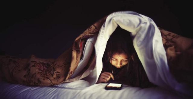 Thoái hoá khớp ngày càng trẻ hoá: Chuyên gia nhấn mạnh không được phép thức khuya quá 23h - Ảnh 2