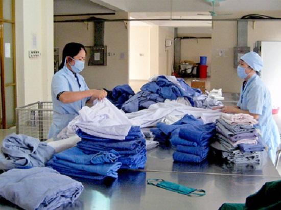 Điểm danh những cách khử trùng quần áo, giày dép hiệu quả phòng dịch Covid-19 - Ảnh 3