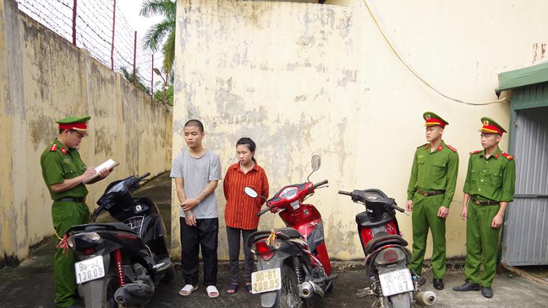 """Hà Nam: Đôi nam nữ trộm cắp hàng loạt xe máy lấy tiền chơi """"game"""" - Ảnh 1"""