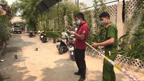 Bình Dương: Truy bắt đối tượng nổ súng giữa quán cà phê đông người - Ảnh 1