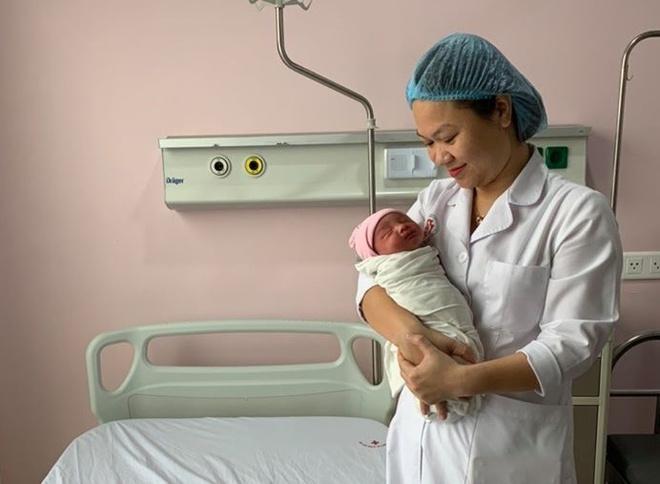 Thành công cứu sống hai mẹ con sản phụ bị tai nạn giao thông - Ảnh 1