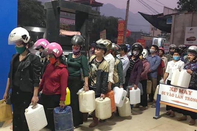 Sơn La: Yêu cầu công an xử lý những người tích trữ xăng dầu - Ảnh 1
