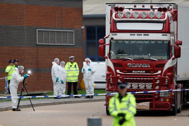 Thêm một nghi phạm vụ 39 người tử vong trong xe container tại Anh bị khởi tố - Ảnh 1