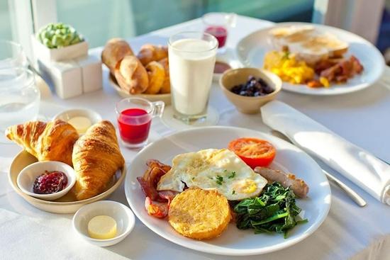 Những thực phẩm siêu bổ nhưng ăn buổi sáng lại thành thuốc độc - Ảnh 1