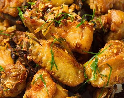 Bí quyết cực đơn giản giúp bảo quản thịt gà đông lạnh tươi ngon như mới mua - Ảnh 1