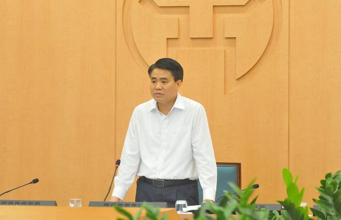 Chủ tịch Hà Nội nói gì về việc phạt người ra đường không thuộc diện cho phép? - Ảnh 1