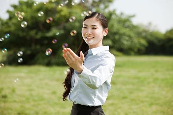 Những điều phụ nữ cần thực hiện ngay khi còn trẻ để sau này về già không hối hận - Ảnh 1