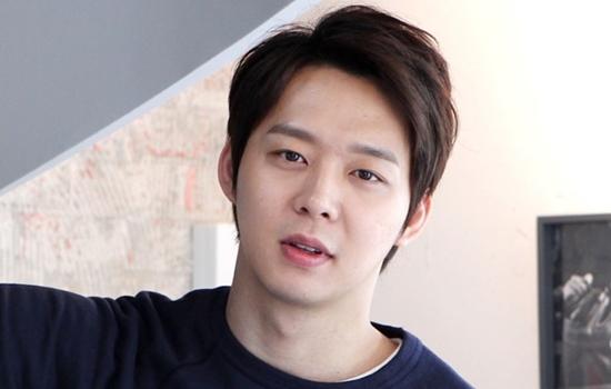 """Scandal tình dục, ma túy đã nhấn chìm sự nghiệp của """"Hoàng tử"""" Park Yoochun thế nào? - Ảnh 2"""