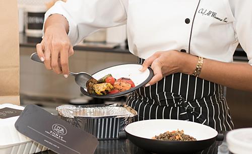 Vì sao nhiều nhà hàng không cho khách mang đồ ăn thừa về? - Ảnh 2